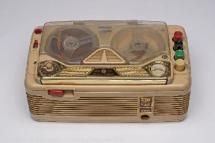 Magnetófono, de la colección del Museo del Traje de Madrid